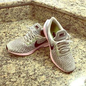 Nike Zoom Pegasus 35 Pink and Grey Running Shoe